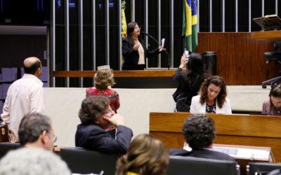 Oposição obstrui e impede análise de MPs na Câmara